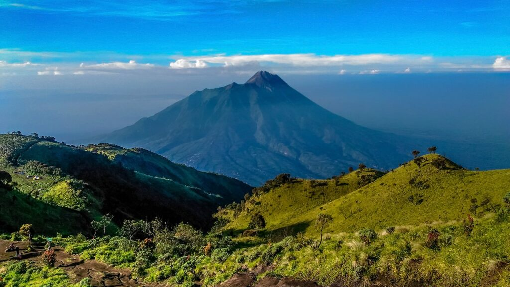 download gambar pemandangan gunung