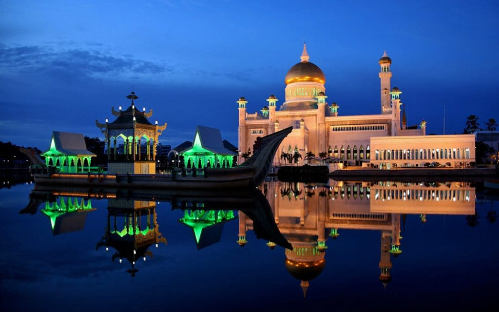 Masjid Omar Ali Saifuddien Mosque, Brunei