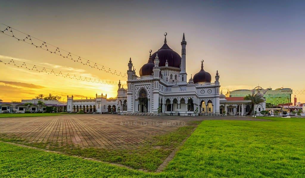 gambar Masjid  megah Zahir, Alor Setar